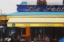 Café Le Petit Pont . (c) 2014 . Andre Beaulieu